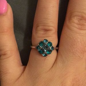 Gorgeous turquoise colored ring